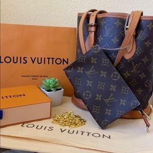 Authentic Louis Vuitton Bucket MM Pochette